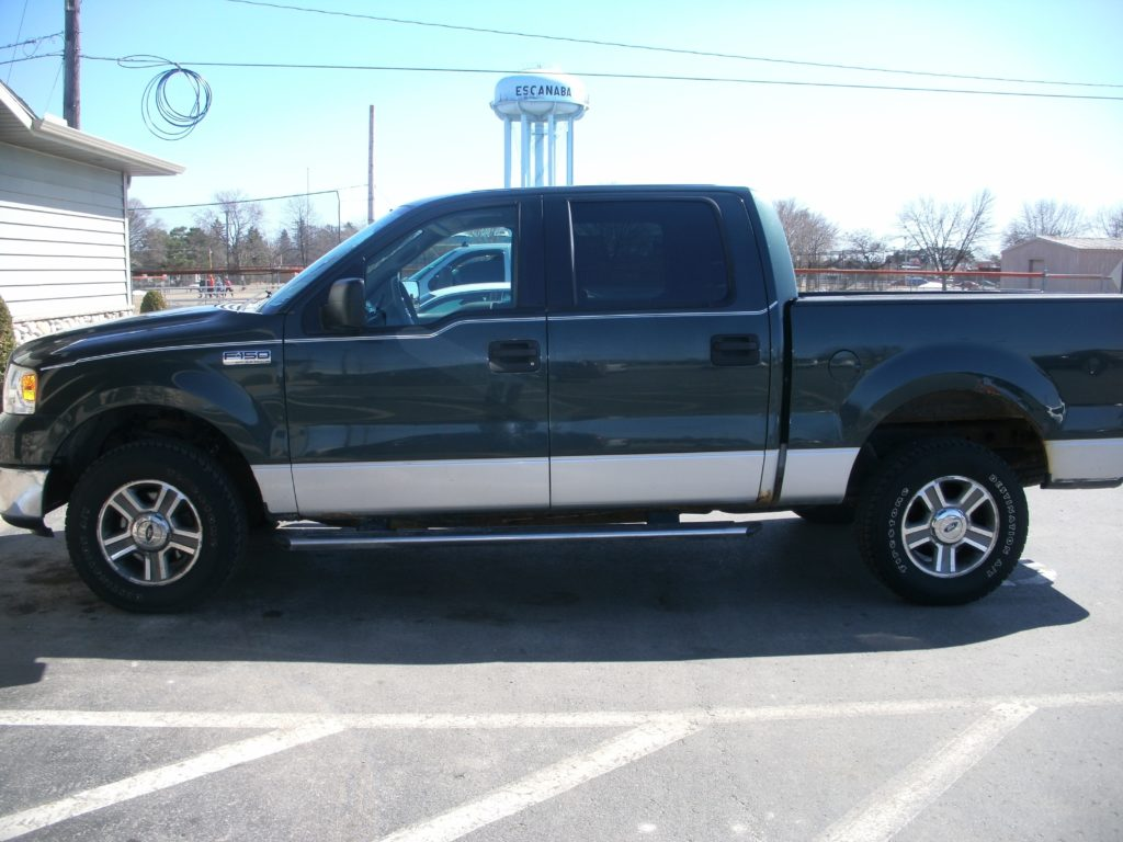 Picture of Green 2006 Ford F-150 SuperCrew XLT 4WD.